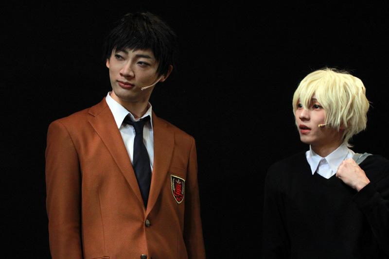 シナモロールが好きな源誠一郎(和合真一/左)とリトルツインスターズが好きな西宮諒(宮崎湧/右)