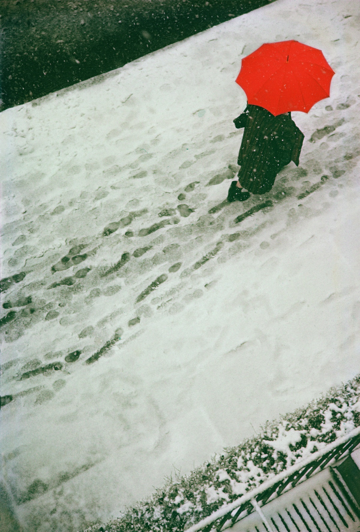 ソール・ライター ≪Footprints≫ 1950年 ⒸSaul Leiter Estate