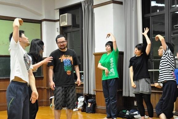 京都に残った男肉たちは新人団員を入れて公演を行おうとするが…。