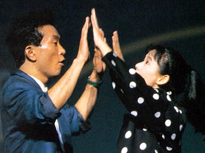 (初演キャスト)左:三浦悠介役 佐藤伸行/右:折口佳代役 土居裕子