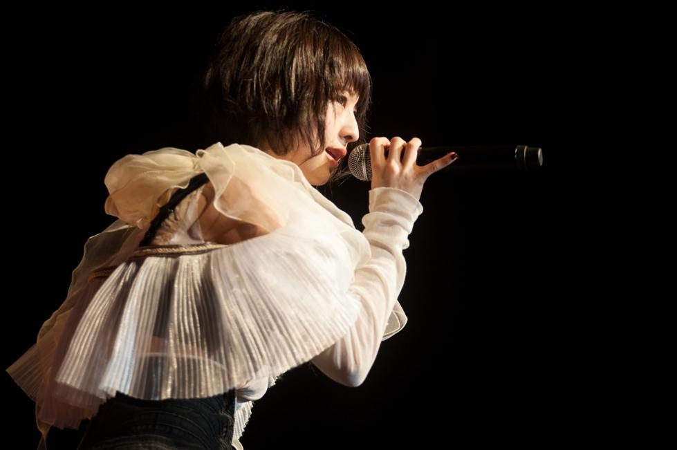 綾野ましろ Photo by HIDEKI AKITA
