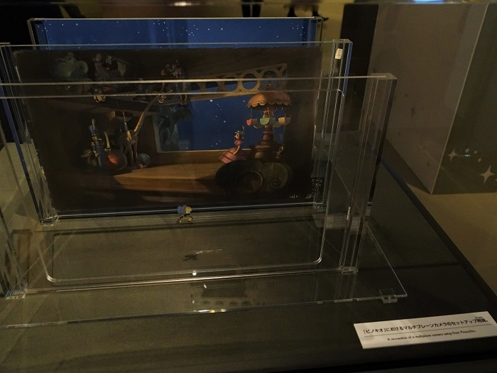 『ピノキオ』におけるマルチプレーンカメラのセットアップ再現 All Disney artwork © Disney Enterprises Inc.