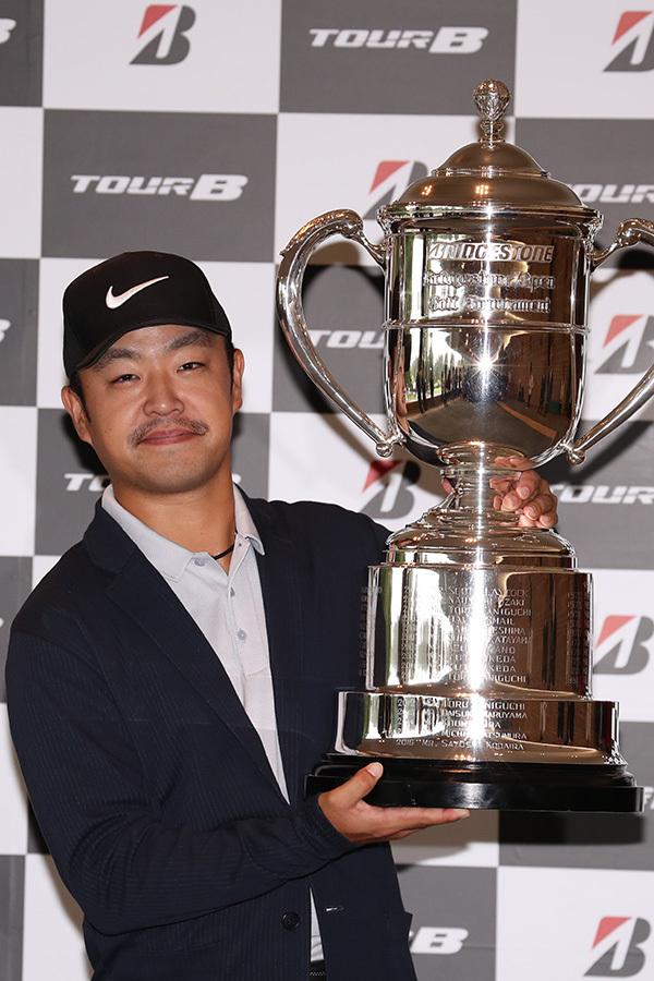 前回大会を制した時松隆光は、史上5人目の連覇がかかる