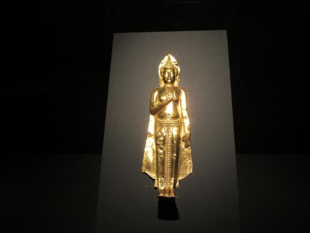 「仏陀立像」
