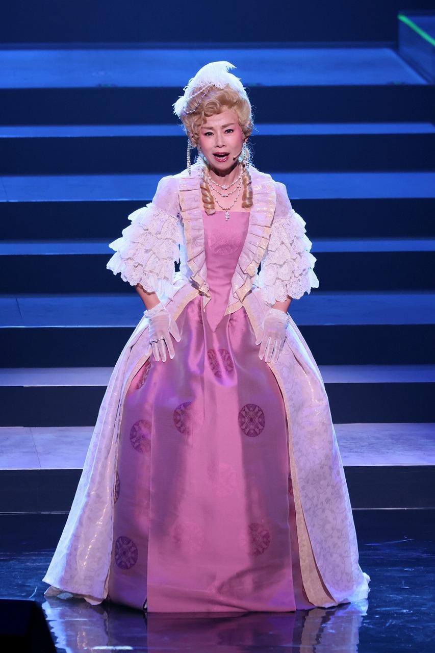 「孤独のドレス」土居裕子