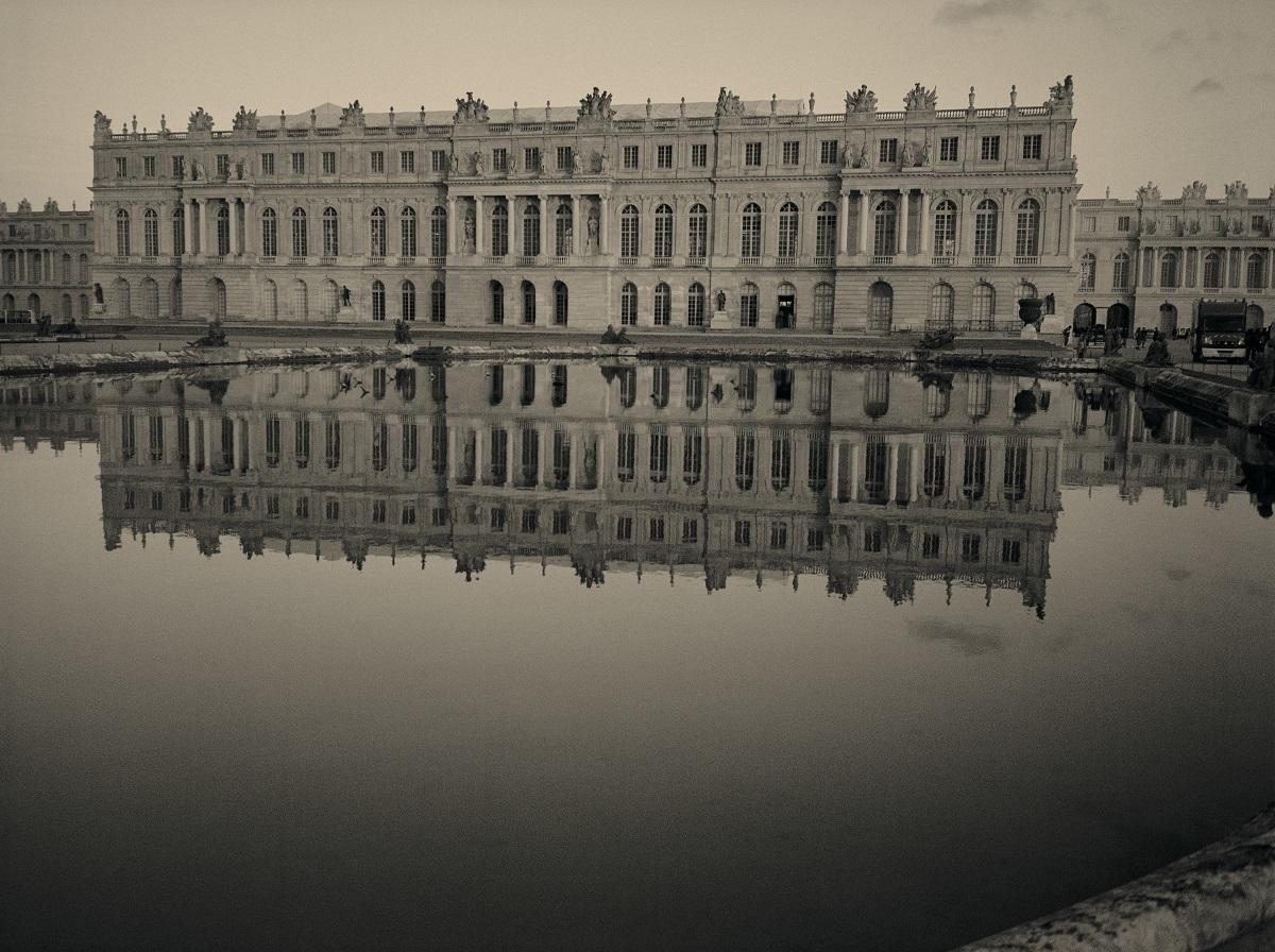 『太陽の宮殿 ヴェルサイユの光と影 カール ラガーフェルド写真展』メイン画像 (c)Karl Lagerfeld