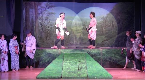 劇団炎舞『河内十人斬り』のクライマックスに登場したセット。劇団炎舞ファンクラブ画像提供(2016/6/12)