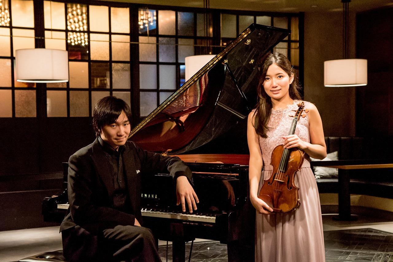 鈴木愛理(ヴァイオリン)、阪田知樹(ピアノ) (撮影=原地達浩)