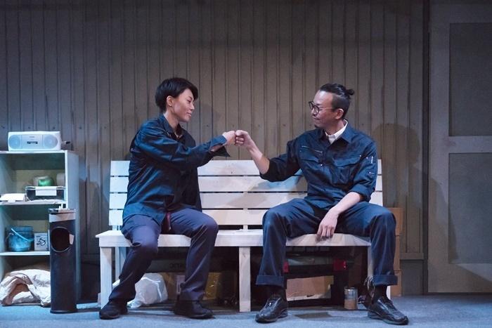 LGBTやブラック企業の問題に焦点を当て、「第27回OMS戯曲賞」佳作を受賞した、ももちの世界『カンザキ』(2019年) [撮影]脇田友