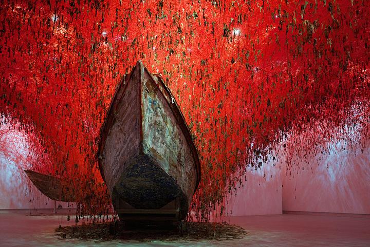 『掌の鍵』 『第56回ヴェネチア・ビエンナーレ国際美術展』日本館(2015年) photo by Sunhi Mang