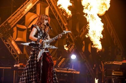 Takamiy(高見沢俊彦)ソロ25周年記念ベスト盤引っ提げライブでエンジェルギター掻き鳴らす「今が一番いい時期」