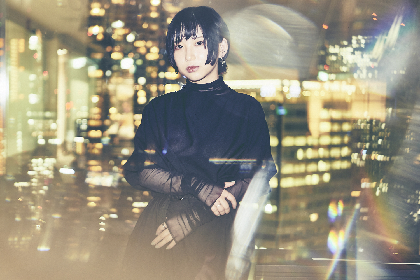 Hakubi片桐、J-WAVE初の生放送で弾き語りカバーに1ヶ月挑戦中! 企画への率直な想いとバンドの変化とは