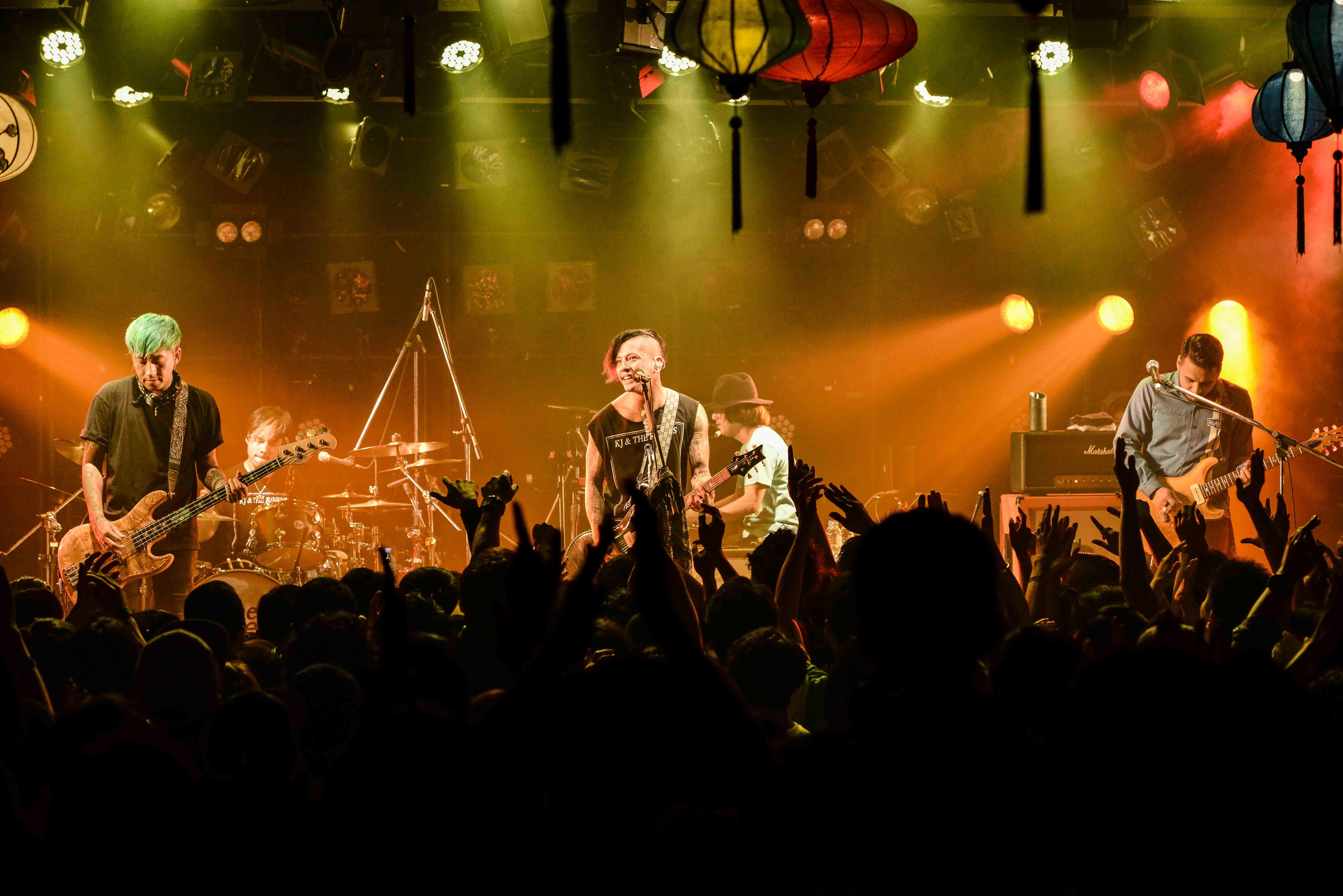 降谷建志1st LIVE TOUR  「THE PENDULUM」performed by Kj and The Ravens 写真:橋本塁(サウシュー&STINGRAY)