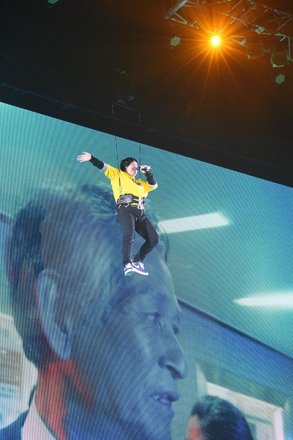 JINRO presents 岡崎体育ワンマンコンサート「BASIN TECHNO」