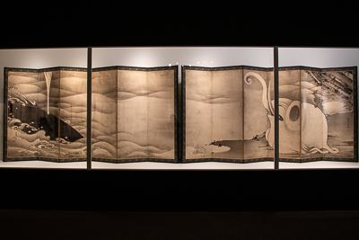 伊藤 若冲 《象と鯨図屛風》 紙本墨画 六曲一双 各159.4×354.0cm  寛政9年(1797) 滋賀・MIHO MUSEUM