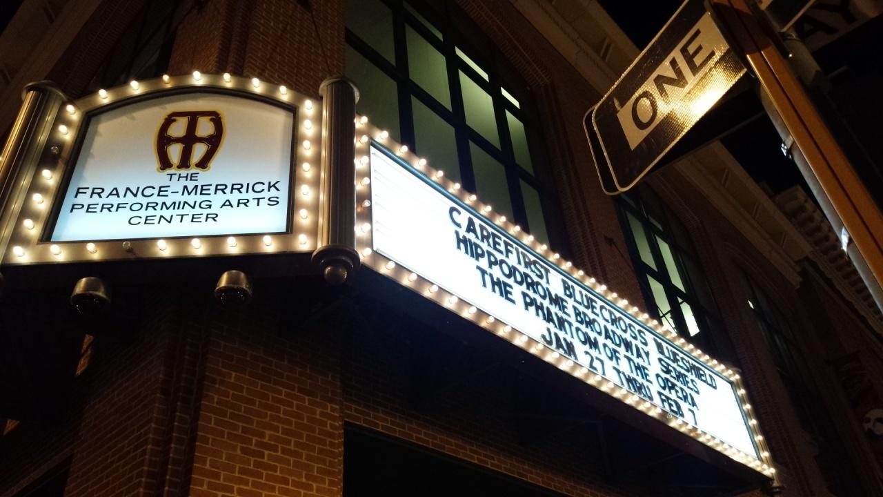 """""""赤ファントム""""が上演されていたボルチモアの劇場"""