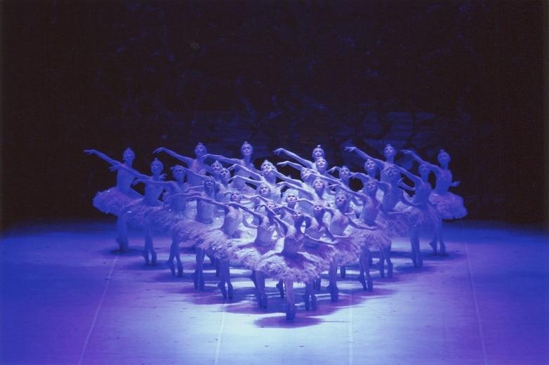 定評のある松山バレエ団のコール・ド・バレエ  写真提供:松山バレエ団