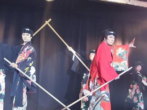 2月立川けやき公演中の「劇団新」左から龍錦さん・飛鳥光輝さん・龍新座長・千明ありささん(2016/2/11)