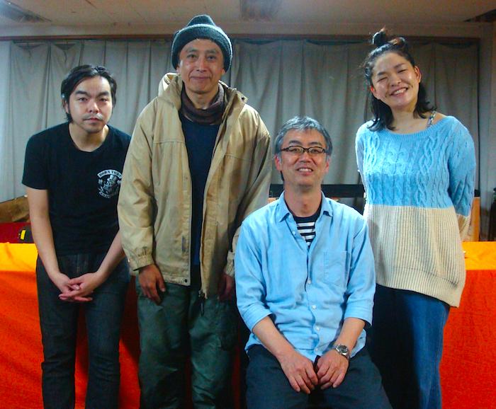 チェーホフ作『プロポーズ』の出演者と演出家。左から・吉村公佑、いちじくジュン、演出の神谷尚吾、大脇ぱんだ