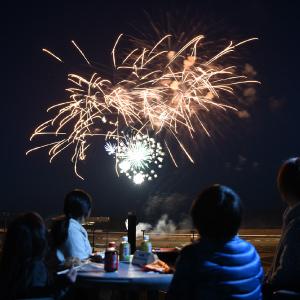 """日本を代表するサーキットとして知られるツインリンクもてぎで、""""花火と音の祭典""""が開催される"""