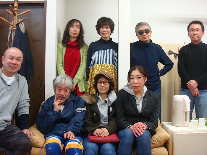 前列左から・二宮信也、小林正和、たなかちさ、スズキナコ 後列左から・中島由紀子、金原祐三子、北村想、加藤智宏