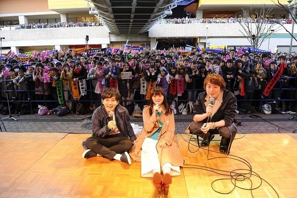 3月15日のデビュー日に、地元・神奈川県海老名市の「ビナウォーク」でデビュー&リリース記念イベントを行い、約7000人のファンが集結