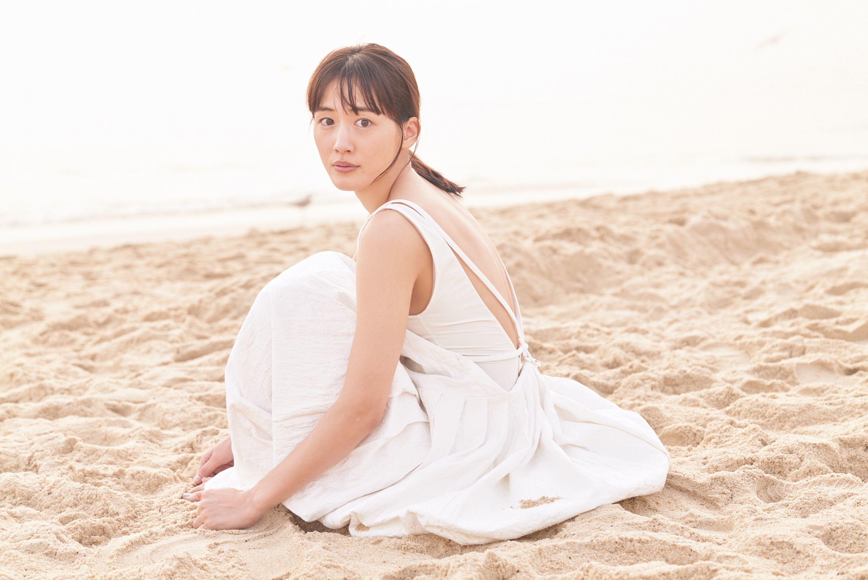 綾瀬はるかフォトブック『ハルカノイセカイ 03』