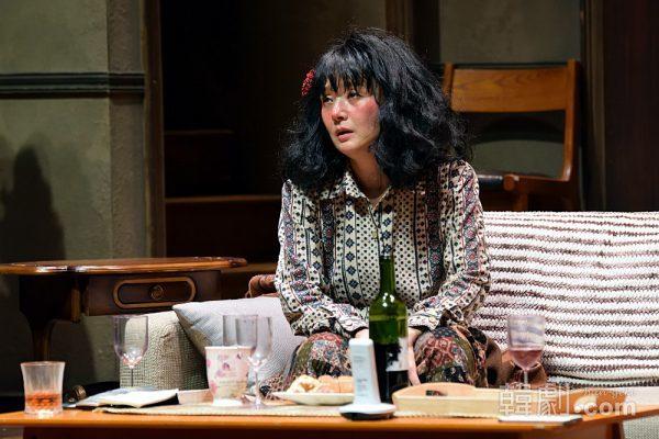 名女優の酔った演技は必見、ジャスミン役のぺ・ジョンオク