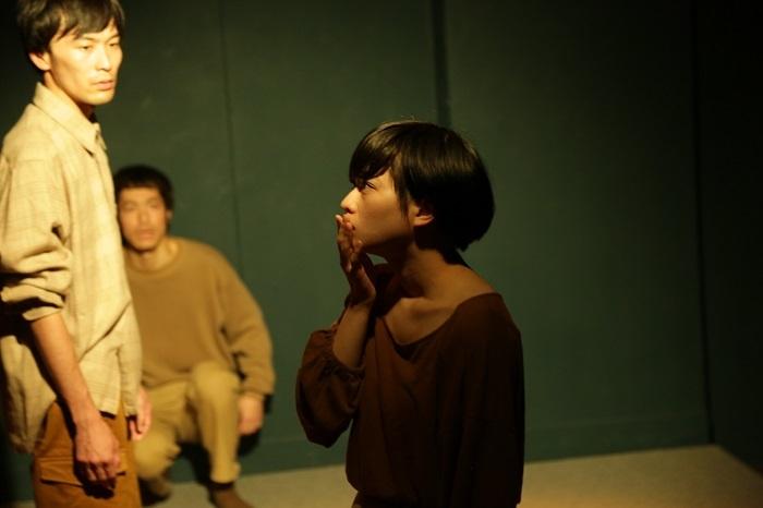 ピンク・リバティ第四回公演『夕焼かれる』より(撮影:佐藤祐紀)