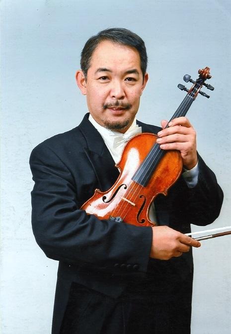 デビューコンサートではヴァイオリンの弾き振りも披露する。
