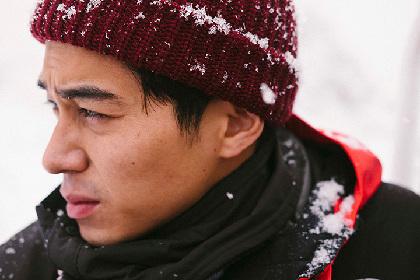 東出昌大の旅を写真家・田附勝が撮影 展覧会『雪は西からやって来る』