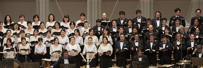 合唱: 新国立劇場合唱団  (C)上野隆文