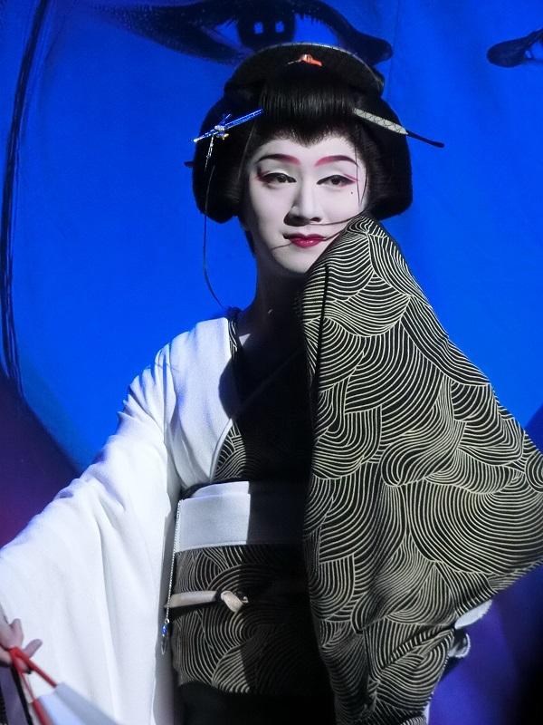 大島劇場とは代々縁深い新喜楽座・松川小祐司座長