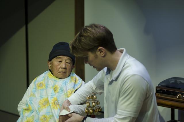 老いと演劇 OiBokkeShi 第4回公演「カメラマンの変態」より。