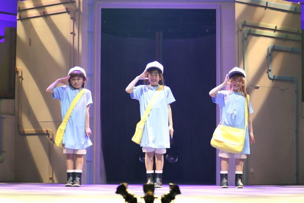 血小板役:岸田結光(右)、森田恵(中央)、木内彩音(左)
