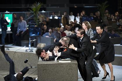 イヴォ・ヴァン・ホーヴェ演出『ローマ悲劇』が衝撃の日本初上陸~飲食・場内移動・撮影・SNS投稿…何でもござれの破天荒な超大作