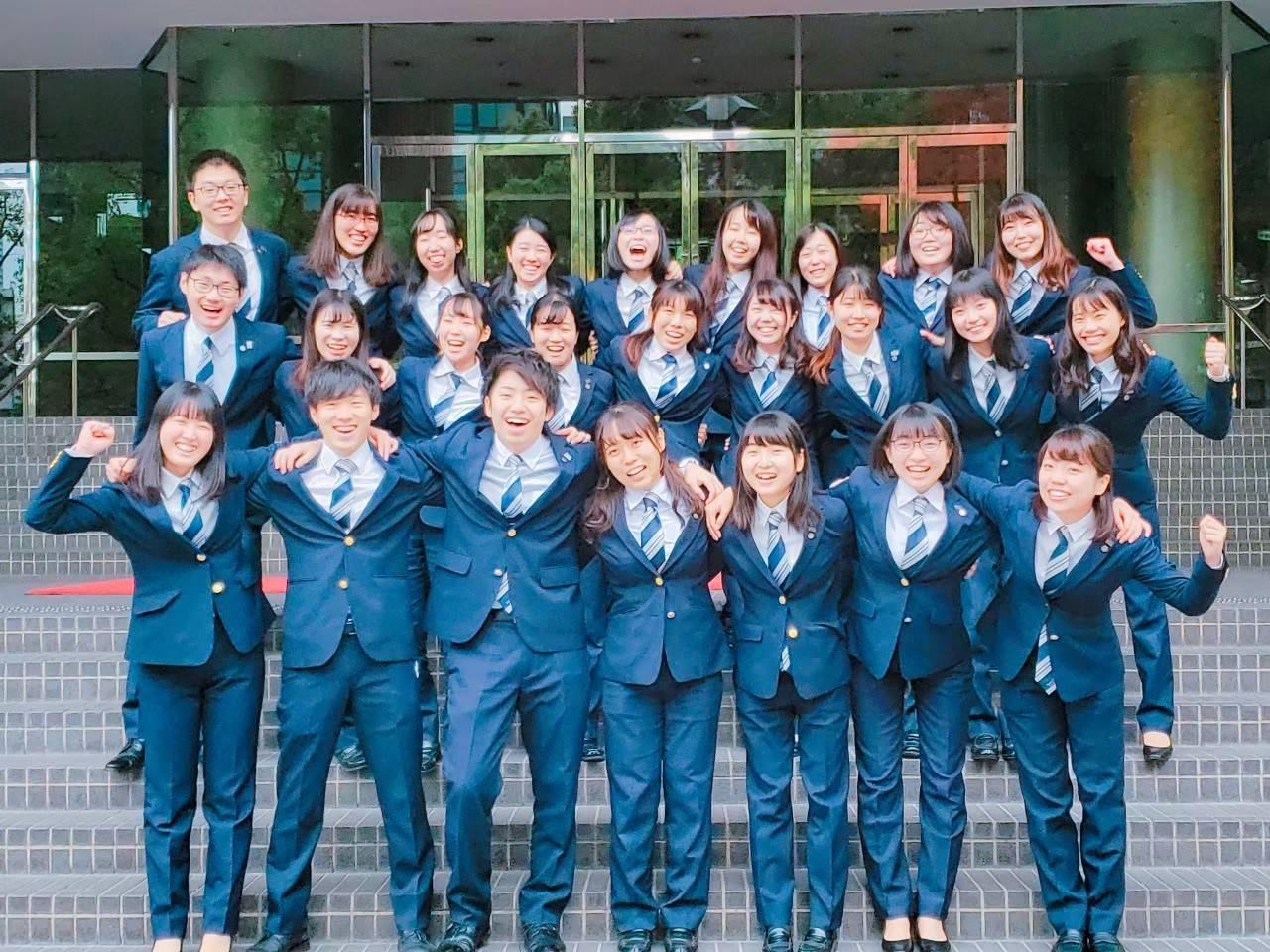 関西大学応援団吹奏楽部 4年生集合写真