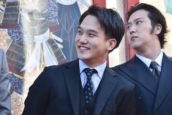 中村歌昇(左)