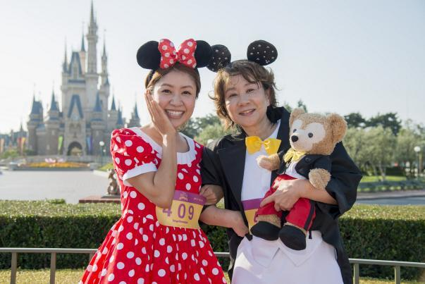 インタビューに答えてくれた秋沢さん母娘 インタビューに答えてくれた藤方さん母娘 (C)Disney