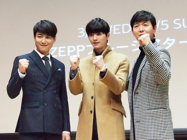 (左から)イ・ジフン、ソンジェ(超新星)、イ・ゴンミョン (撮影:坂本ゆかり)