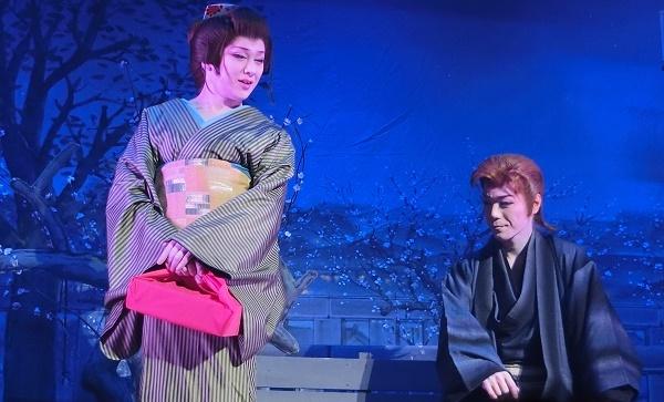 澤村千夜座長(左)・澤村神龍副座長(右)の「湯島の白梅」(2015/11/28)
