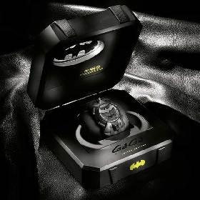 世界限定300本!バットマンのイタリア時計コラボモデルの再販がスタート 文字盤は360度回転するリバーシブル仕様