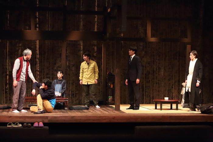 『神舞の庭』再演の舞台より