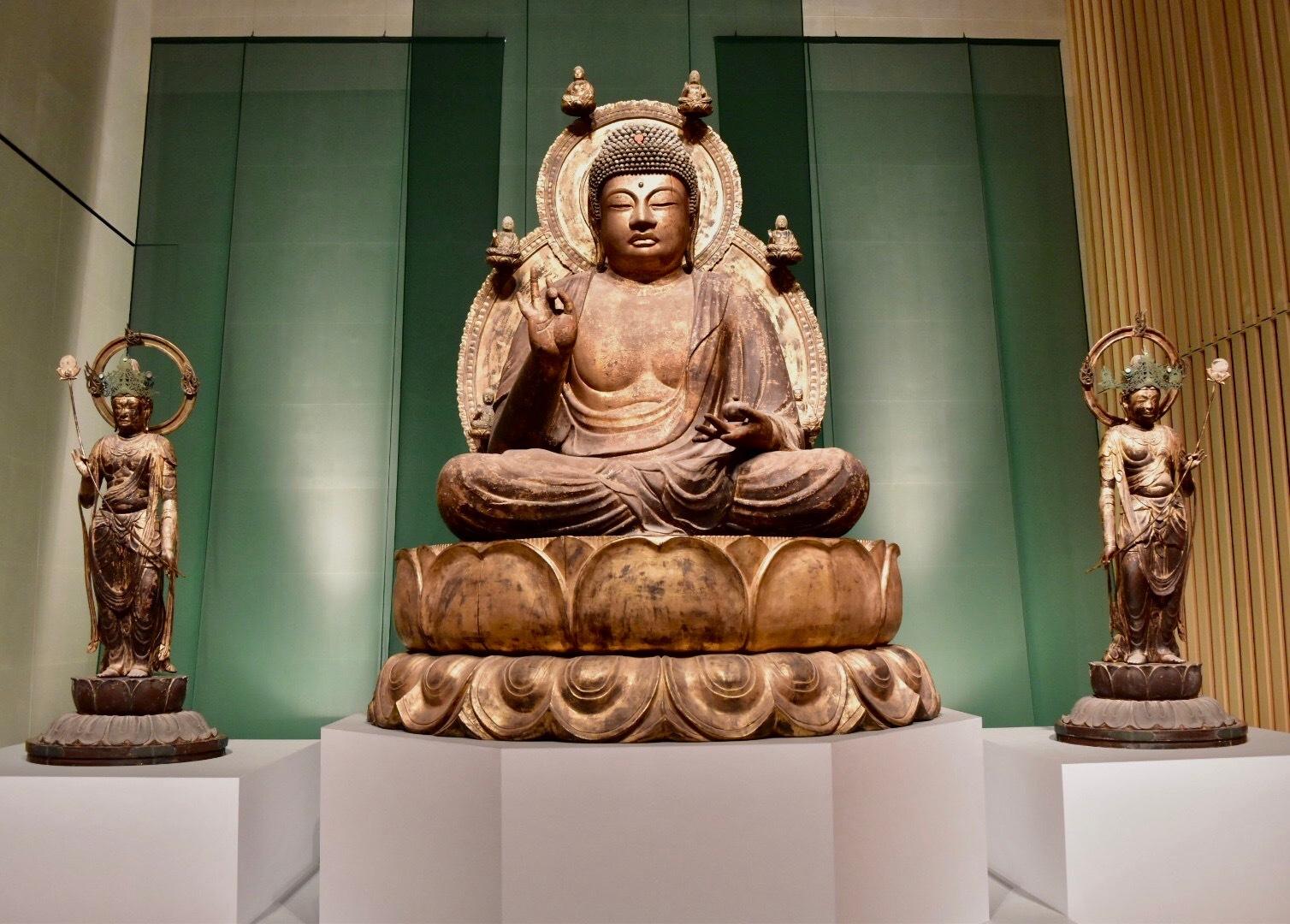 国宝《薬師如来および両脇侍像》 平安時代 10世紀 醍醐寺蔵