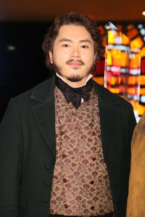 ジャン・バルジャン役の佐藤隆紀