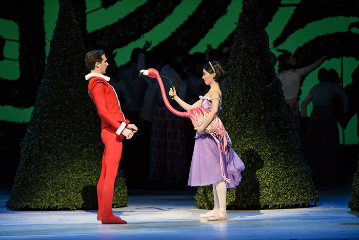 Alice in Wonderland. Nehemiah Kish as the Knave of Hearts, Yuhui Choe as Alice.  ©ROH, 2014. Photographed by Bill Cooper