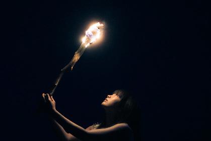Aimerの17thシングル「Torches」全ぼうが明らかに 6,000人を動員した上海ライブ音源も収録