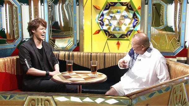 左から宮野真守、笑福亭鶴瓶。(c)テレビ東京