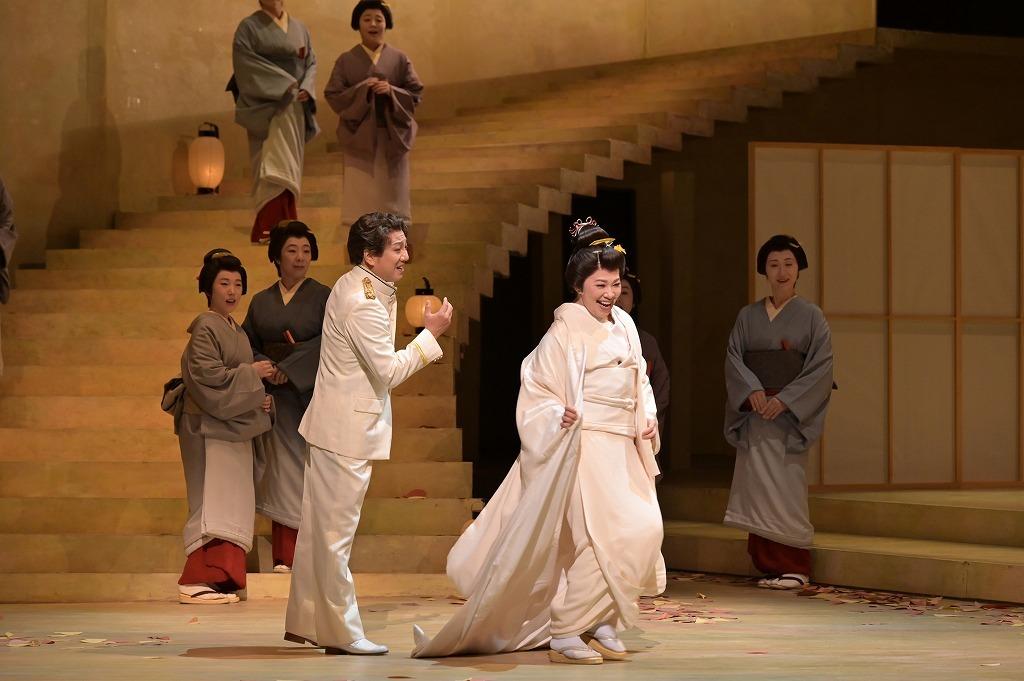オペラ『蝶々夫人』  撮影:寺司正彦