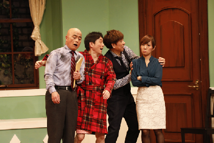 山寺宏一×水島裕の「ラフィングライブ」による英国発の爆笑舞台『Cash on Delivery』が開幕